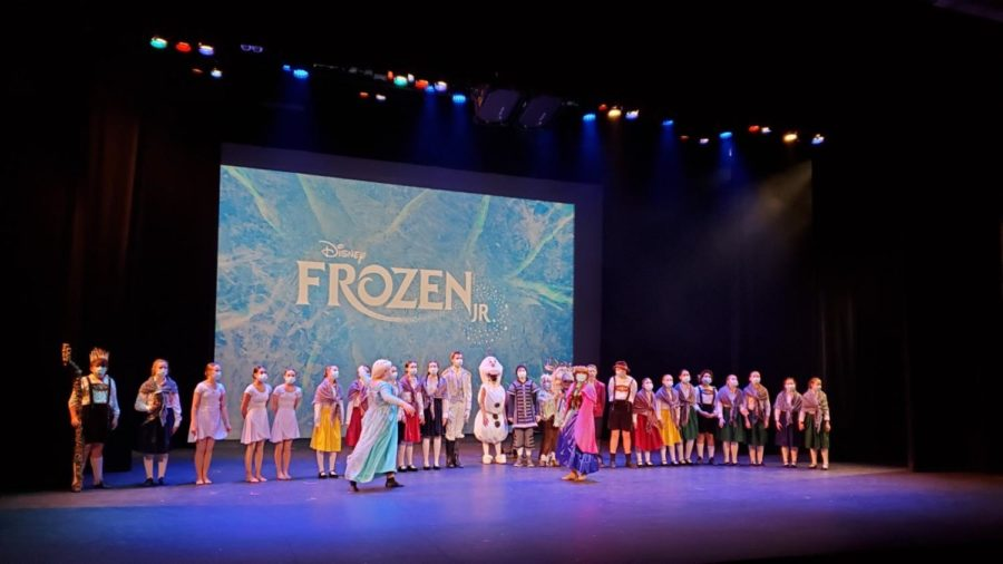 The+cast++of+Faith+Lutheran%27s+production+of+Frozen+Jr.+takes+a+final+bow.